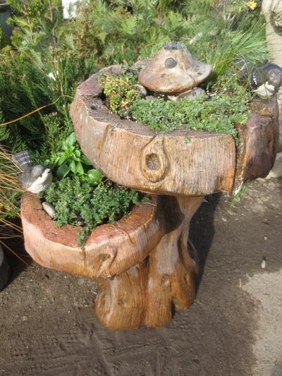 Broken solar fountain to Fairy Garden