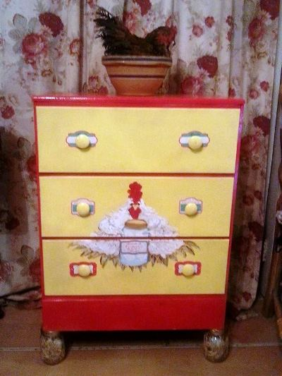 Kelly Dickinson's hand-painted chest