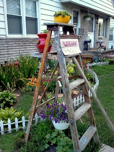Garden ladder projects you can do flea market gardening for Ladder project