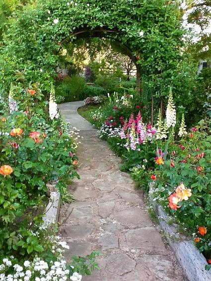 Joy Hale's  welcoming pathway