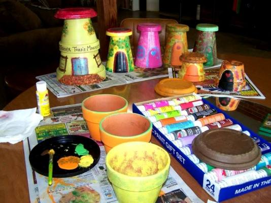 A garden fairy path any child can do flea market gardening for Pot painting materials required