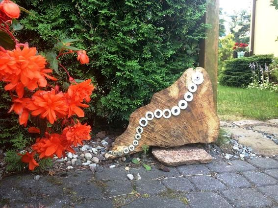Bogdan Dabrowski slugs and washers make a caterpillar