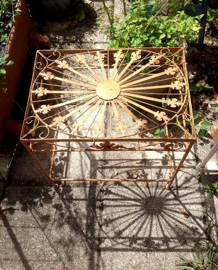 Wendy Hankins lacy rust table