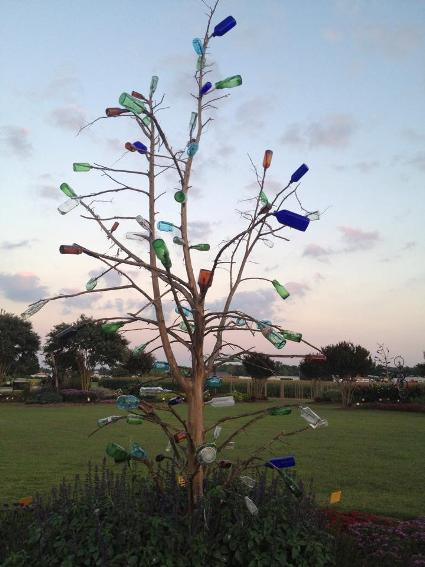 A free-form bottle tree