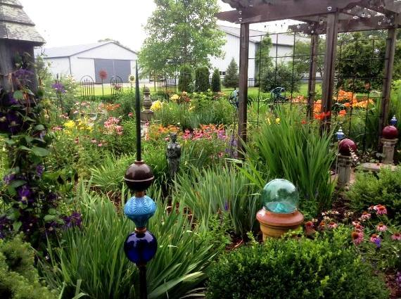 Round and orb-like objects are a garden theme