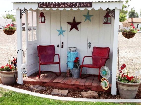 Fun Garden Vignettes From Vintage Doors Flea Market